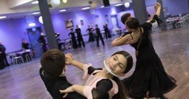 """الرقص على نغمات كورونا.. إيطاليا تفتح مدارس رقصات الصالات لـ""""اعتبارات وطنية"""""""