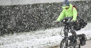 الربيع الثلجى.. عاصفة ثلجية تفسد احتفال الربيع فى بلجيكا