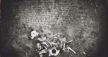 فرانسيس بيكون.. عثروا على 200 صورة لـ جثث أفيال فى مرسمه.. لماذا؟