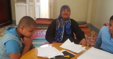 أم الطفلين المكفوفين بالبحيرة بعد استجابة الرئيس لحالتهما: رئيس لكل المصريين