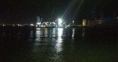 """عبور السفينة الحاملة للكراكة """"مهاب مميش"""" قناة السويس.. فيديو وصور"""