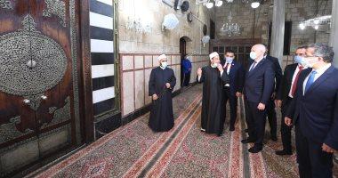 """الرئيس التونسى يزور الحسين وشارع المعز والمواطنون يلتقطون """"سيلفى"""" معه"""