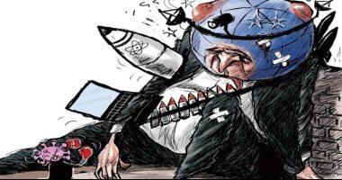 الأرض فى معركة طاحنة مع فيروس كورونا فى كاريكاتير سعودى
