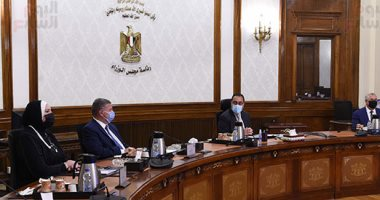 مصطفى مدبولى: اهتمام كبير من الرئيس السيسي بالنهوض بصناعة الغزل والنسيج