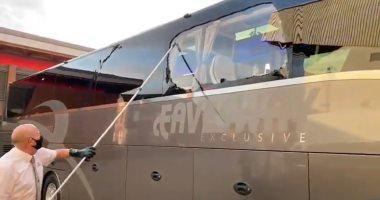 """ليفربول ضد الريال .. جماهير الريدز تهاجم حافلة الملكي """"فيديو"""""""