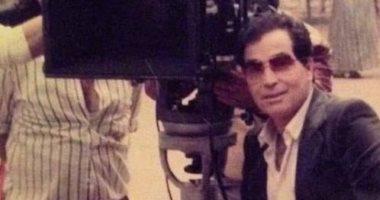 عمر حسن يوسف يحتفل بعيد ميلاد والده بصور من دولاب ذكرياته