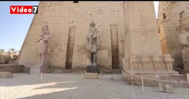 شاهد ترميم تماثيل الملك رمسيس الثانى بمعبد الأقصر بأيادٍ مصرية
