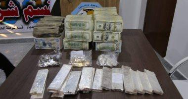 """الشرطة العراقية تعثر على أكوام من الذهب والفضة فى """"بيت مال"""" داعش بالموصل"""