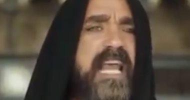 """أمير كرارة يمازح الجمهور بعد جملة """"كتع كسح كسل"""": اللى هيقولها 10 مرات هعمله فولو"""