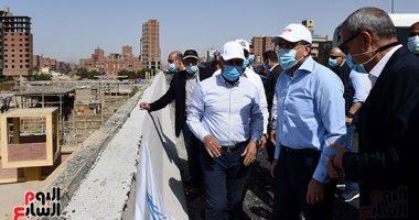 رئيس الوزراء يتفقد أعمال تطوير الطريق الدائرى.. صور