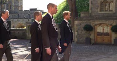 فصل الأمير هارى عن شقيقه وليام فى موكب جنازة جدهما الأمير فيليب.. صور