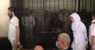 صورة الحكم على حنين حسام ومودة الأدهم بتهمة الاتجار فى البشر اليوم