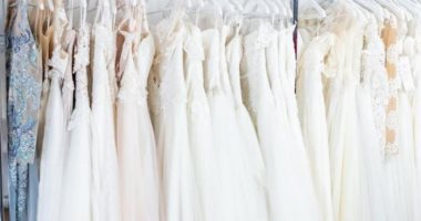 A woman surprises nurses with free wedding dresses after recovering from Corona.. know the story