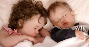 الصحة تحذر من سهر الأطفال وتقدم إرشادات للحصول على نوم عميق طوال ساعات الليل