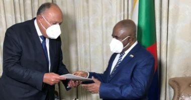 وزير الخارجية يسلم رئيس جزر القمر رسالة من الرئيس السيسى