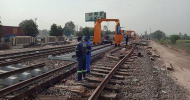 السكة الحديد تجرى عملية إحلال وتجديد لقضبان موقع حادث قطار طوخ.. فيديو لايف