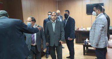 النائب عمرو درويش يطالب بإعادة النظر فى البنية التحتية ومنظومة السكة الحديد.. صور