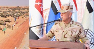 الفريق محمد فريد يشهد مشروع (إعصار62) بإحدى تشكيلات الجيش الثالث الميدانى