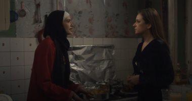ضد الكسر الحلقة 9 .. نيللى كريم تغادر المستشفى وتكشف سر شقيقتها ملك