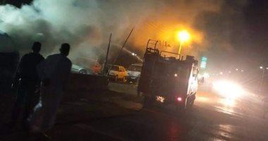 صورة الحماية المدنية بالقليوبية تسيطر على حريق بسيارة فى بنها