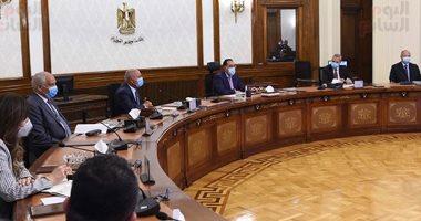 رئيس الوزراء: حظر أى احتفالات أو فعاليات جماهيرية وغلق المولات والمقاهى المخالفة