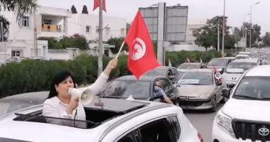 عبير موسى تقود مسيرة بالسيارات ضد إخوان تونس.. صور