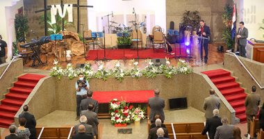 الطائفة الإنجيلية تحتفل بعيد القيامة المجيد وسط الإجراءات الاحترازية لكورونا