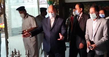 محافظ القاهرة يقرر تشميع الكافيهات المخالفة لقرار منع الشيشة لمدة شهر
