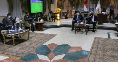 محافظ جنوب سيناء يبحث الاستعدادات لعودة السياحة الروسية لشرم الشيخ