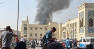 حريق فى سوق أحمد حلمى برمسيس والدفع بسيارات الإطفاء.. لايف