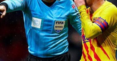 لاهوز يدير مباراة برشلونة ضد أتليتكو مدريد فى قمة الدورى الإسباني
