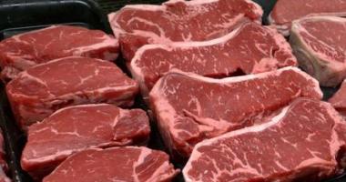 أسعار اللحوم اليوم الجمعة.. الكندوز يتراوح بين 120 – 140 جنيها للكيلو