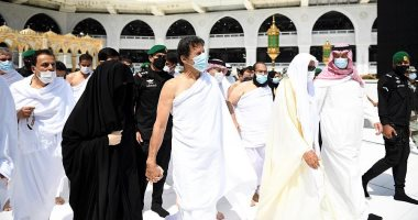 السعودية نيوز |                                              رئيس وزراء باكستان وزوجته يؤديان مناسك العمرة على هامش زيارته للسعودية.. صور
