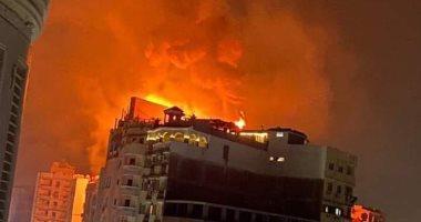 حريق في الطابق الأخير بفندق بانوراما بطنطا والدفع بسيارات إطفاء.. فيديو