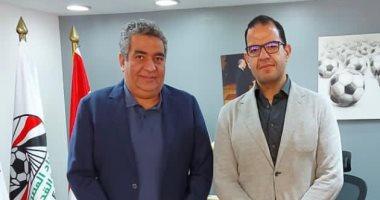 أحمد مجاهد يستقبل رئيس شركة استادات لبحث سبل التعاون