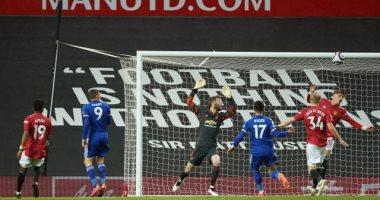 مانشستر يونايتد يسقط أمام ليستر بثنائية ويهدى السيتي لقب الدوري الإنجليزي