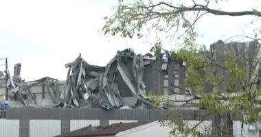 لقطات جوية لآثار دمار مبان بمدينة ووهان الصينية بسبب إعصار عنيف.. فيديو