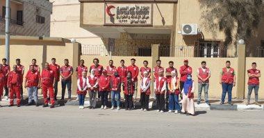 فريق من الهلال الأحمر المصرى يستعد لاستقبال جرحى فلسطينيين بمعبر رفح