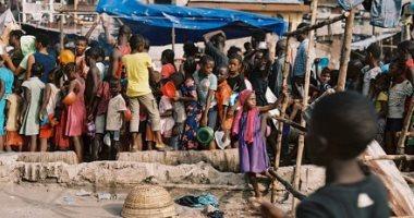 سكان سيراليون يكافحون للتعافي من حرائق الأحياء الفقيرة.. ألبوم صور