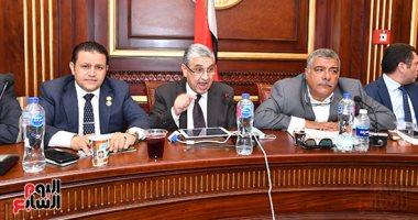 وزير الكهرباء: مستعدون لشراء الكهرباء من المواطنين أصحاب محطات الطاقة الشمسية