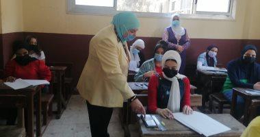 طلاب الشهادة الإعدادية بالقاهرة يختتمون امتحانات نهاية العام الدراسى