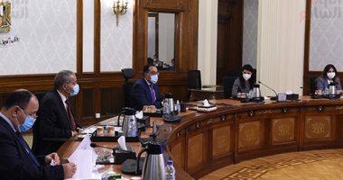رئيس الوزراء يستعرض مشروعات التعاون المشتركة بين مصر وفرنسا.. صور
