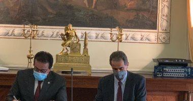 وزير التعليم العالى ونظيره البرتغالى يوقعان مذكرة لتفعيل آليات التعاون