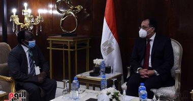 مدبولى: توجيهات دائمة من الرئيس السيسي بالتعاون الكامل مع الأشقاء فى السودان..صور