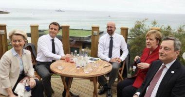 ماكرون وميركل وقادة الاتحاد الأوروبى بجلسة وسط الطبيعة قبل انطلاق G7.. صور