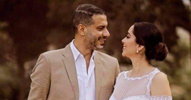 إطلالة محمد فراج وبسنت شوقى فى حفل زفافهما.. صور