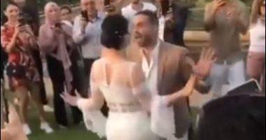 وصلة رقص بين محمد فراج و بسنت شوقي فى عقد قرانهما .. فيديو