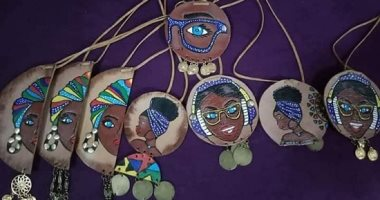 """""""شيماء"""" تعيد إحياء الثقافة النوبية والأفريقية بالحقائب والإكسسوارات"""