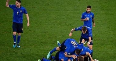 صورة إيطاليا أول المتأهلين لثمن نهائي يورو 2020 بثلاثية جديدة في سويسرا.. فيديو