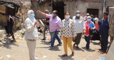 نائب محافظ القاهرة خلال نقل سكان منطقة بطن البقرة